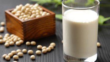 Uống Sữa đậu nành trước khi ăn