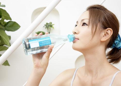 Uống nước lọc trước khi ăn