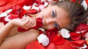 Làm sạch da từ hoa hồng