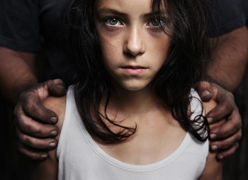 Cha mẹ cần làm gì để giúp trẻ không bị xâm hại tình dục?