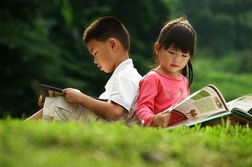 Trẻ thông minh nhờ đọc sách mỗi ngày