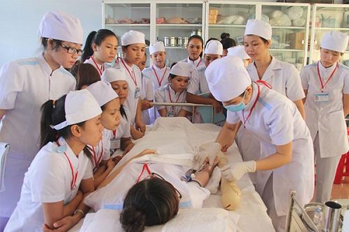 Các kỹ năng nghề nghiệp được rèn luyện trong trường là nền tảng tốt nhất để sinh viên ra trường xin việc