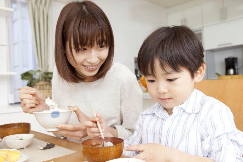 Học tập cách mẹ Nhật dạy con