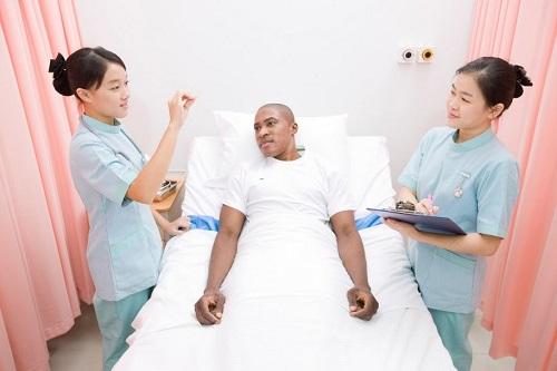 Tiếng Anh giúp sinh viên Liên thông Cao đẳng Điều dưỡng có công việc tốt hơn