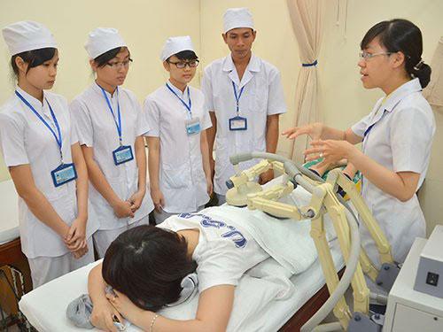 Cơ hội việc làm với Điều dưỡng viên khi học Cao đẳng Điều dưỡng