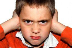 Phải làm gì để dạy bảo trẻ ngang bướng biết nghe lời?