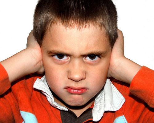 Cách dạy con trẻ ướng bướng không nghe lời