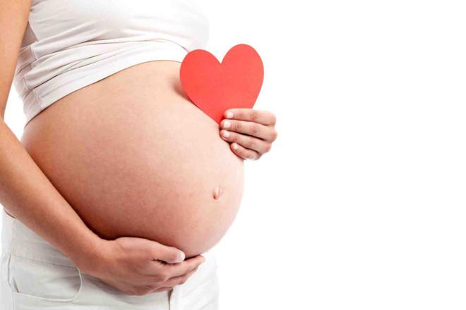 Vì sức khỏe của cả mẹ và con hãy lưu ý khi mang bầu tránh viêm tai giữa