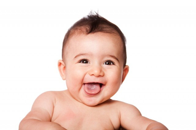 Cha mẹ nên rơ lưỡi cho trẻ để có một sức khỏe tốt cho khoang miệng