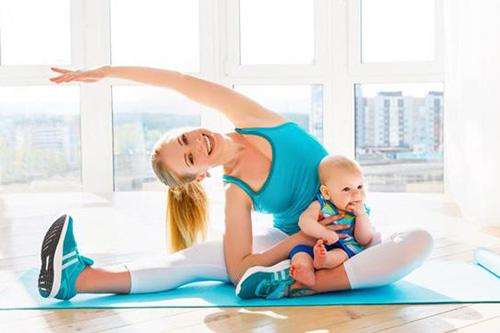 Phụ nữ sau khi sinh nên tập các bài thể dạo nhẹ nhàng