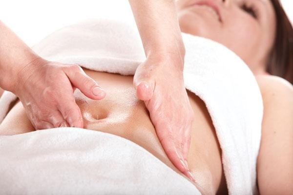 Các bước massage sau sinh tại nhà được làm như thế nào ?
